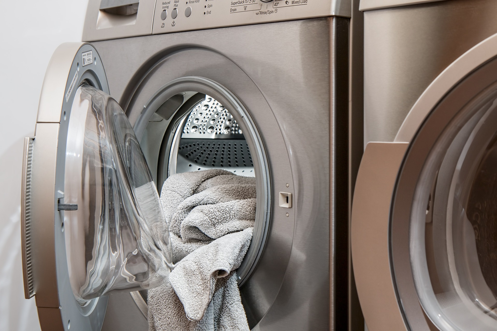 laundry machine smells like sewer gas while running